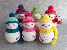 Here you can see a bunch of snowmen, you just need to practice crocheting them once and you can make many of them for which you can get the help from the link. It is a good idea to decorate the home with the snowman in winters as this idea suits in the cold season.