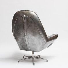 Cadeira feita com capo de fusca