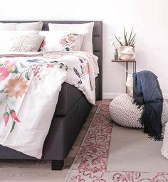 Wir Holen Den Frühling Ins Schlafzimmer Und Zeigen Dir, Wie Du Mit Den  Richtigen Accessoires Die Perfekt Frühlings Deko In Dein Schlafzimmer Holen  Kannst.