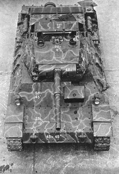 The was an Italian World War II medium tank. It was armed with a 75 mm gun and an 8 mm Breda machine gun, plus another optional machine gun in an anti-aircraft mount. The official Italian design Military Photos, Military History, Tank Armor, Italian Army, War Thunder, Tank Destroyer, Armored Fighting Vehicle, Ww2 Tanks, Battle Tank