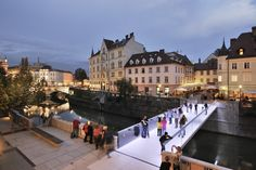 Ljubljana, Slovenia. Footbridge Ribja brv / Arhitektura d.o.o,  2014. (Proposal was posted in ArchDaily 23 Oct 2012. Now here's the finished bridge, ArchDaily 10 Oct 2014.  Same text for much of the article)