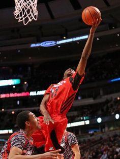 Number 1 college basketball prospect Andrew Wiggins picks Kansas