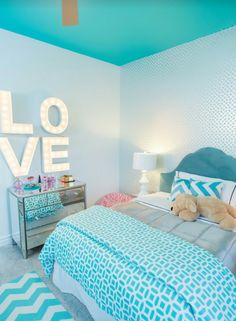 Room Decor: Save it for later. Turquoise room ideas - turquoise bedroom ideas for girls, boys, and adult. Theres also another turquoise room ideas like living room and family room. Check em out! Teenage Girl Bedroom Designs, Teenage Girl Bedrooms, Teal Teen Bedrooms, Teenager Bedroom Girls, Preteen Girls Rooms, Hot Pink Bedrooms, Blue Teen Girl Bedroom, Bedroom Boys, Tween Girls