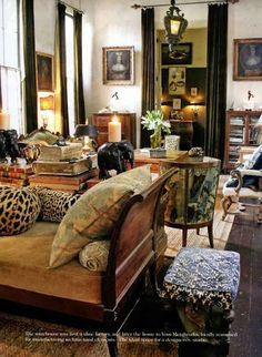 Decorate Your Home With French Daybeds