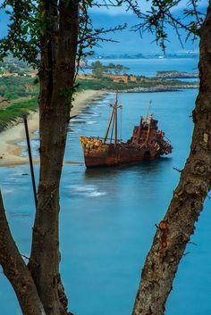 Dimitrios shipwreck near Gytheio, Greece. Photo by Bill Glentzes on Great Places, Places To See, Beautiful Places, Myconos, Places In Greece, Shipwreck, Greece Travel, Greek Islands, Island Life