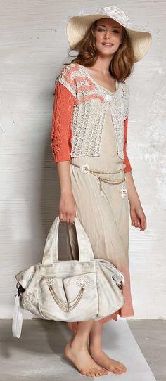 Designer Daniela Dallavalle collections коралловые нитки