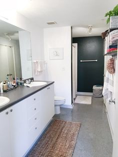 Before After A Renter Friendly Bathroom Makeover Apartment Therapy Ba T Remodeling