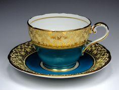 (vía antigua Aynsley Taza de té y platillo del pavo real por TeacupsAndOldLace)