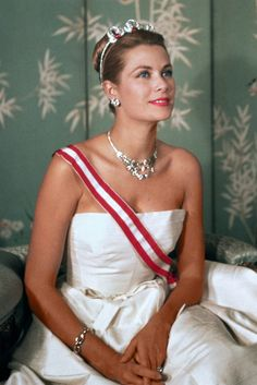 Princess Grace, what a stunning woman she was.