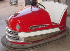 Old vintage bumper cars = cool automotive furniture Car Furniture, Automotive Furniture, Automotive Decor, Carnival Rides, Creepy Carnival, Amusement Park Rides, Pedal Cars, Old Cars, Pinball