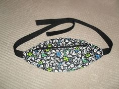 Hip Pouch - Fanny Pack - Bum Bag, with zip and velcro fastening. Inner pockets.