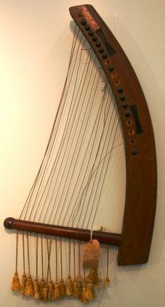 egyptian harp | Kinnôr -- lyre. This one is an Egyptian horse-headed Lyre. Potsdam ...