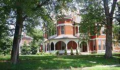 "The home where ""League of their Own"" was filmed - 612 N. Main Street, Henderson, KY"