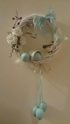 Summer Door Wreaths, Easter Wreaths, Baby Door Decorations, Wreath Crafts, Spring Crafts, Holidays And Events, Easter Crafts, Happy Easter, Easter Eggs