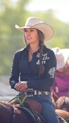 American Cowgirl - this is a real cowgirl, not those bimbos on Rodeo Girls. They are an insult to real, hard-working cowgirls. Duh that's Megan etcheberry from rodeo girls Sexy Cowgirl, Cowgirl Mode, Estilo Cowgirl, Cowgirl Hats, Cowboy And Cowgirl, Cowgirl Style, Riding Cowgirl, Western Riding, Western Style