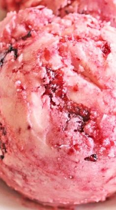 There is a recipe for Raspberry Honey Butter that has been living in my archives for almost 6 years now. It is a family favorite of ours as well. Flavored Butter, Homemade Butter, Butter Recipe, Sweet Butter, Honey Butter, Cinnamon Butter, Peanut Butter, Barbacoa, Dips