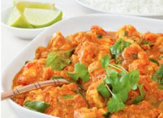 Thai Red Curry Chicken - Preparation time: 20 minutes Slow Cooker Size Serves: 4 Cooking time: hours on High setting Indian Food Recipes, Whole Food Recipes, Vegetarian Recipes, Healthy Recipes, Red Curry Chicken, Butter Chicken, Clean Eating, Healthy Eating, Maximized Living Recipes