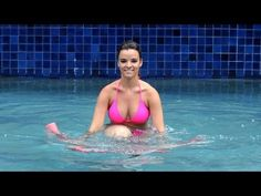 How to Do Water Aerobics Knee Ups | Water Aerobic Exercise