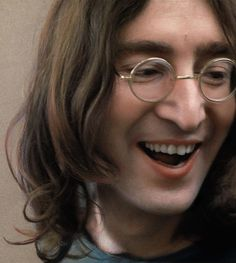 Listen To The Beatles, Beatles Love, El Rock And Roll, John Lennon And Yoko, Just Good Friends, The Fab Four, Ringo Starr, Clint Eastwood, The Beatles