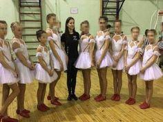 Мои новости: Актриса порнофильмов преподавала танцы в петербургской школе.