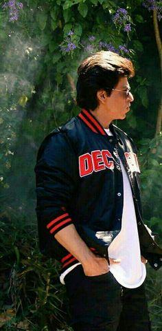 Shah Rukh Khan ♥️ Shahrukh Khan Family, Shahrukh Khan And Kajol, Shah Rukh Khan Movies, Aamir Khan, Bollywood Stars, Bollywood Fashion, My Name Is Khan, Kuch Kuch Hota Hai, Sr K