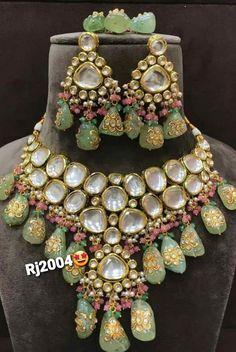 Kundan Jewellery Set, Kundan Set, Indian Jewelry Sets, Fancy Jewellery, Jewelry Design Earrings, Bridal Jewellery, Necklace Designs, Designer Jewellery, Jewellery Making