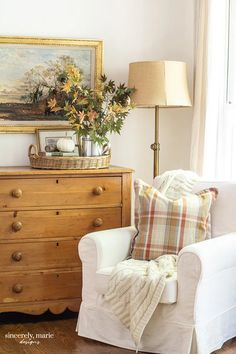 Quick & Easy Charming Fall Farmhouse Home Decor Ideas - The Cottage Market Home Decor Inspiration, Decor, House Interior, Furniture, Home, Interior, Autumn Home, Home Decor Styles, Home Decor