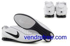 on sale 961cd a8b99 Vendre pas cher Homme Nike Shox R3 Chaussures (couleur vamp interieur-blanc  logo-noir sole-noir,blanc) en ligne en France.