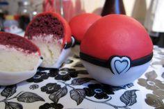 Pokélove -- Color coordinated two-layer mini cakes.
