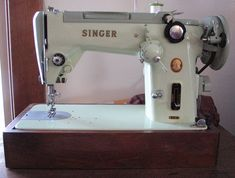My Sewing Machine Obsession: Singer 319W
