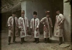 vintage everyday: 27 Rare and Fascinating Color Photographs of Romania in the 1930 - Young men stand in their traditional Saxon church outfits. Young Frankenstein, Folk Clothing, Extraordinary People, Vogue Covers, Vintage Pictures, Vintage Photographs, World Cultures, Romania, Old Photos