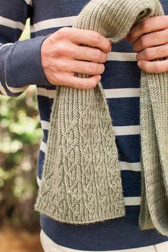 Ravelry: Walker Scarf pattern by Andrea Babb