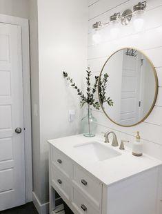 Bathroom Inspo! ✨ Guest Bathrooms, Upstairs Bathrooms, Bathroom Kids, Downstairs Bathroom, Bathroom Renos, Bathroom Renovations, Home Remodeling, Washroom, Bathroom Goals