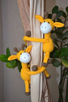 Giraffe curtain tie backs Animal curtain holders Nursery curtain decor by CozyToysStore on Etsy Giraffe Decor, Giraffe Toy, Giraffe Nursery, Crochet Cow, Cute Crochet, Crochet Ideas, Curtain Holder, Curtain Tie Backs, Nursery Curtains