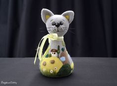Needle felted cat - MADE TO ORDER - Needle felted animal - Home decor - Soft sculpture - Fiber art - Gift