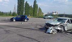 В ДТП под Южноукраинском пострадали четверо взрослых и двое детей  http://novosti-mk.org/events/accidents/7408-v-dtp-pod-yuzhnoukrainskom-postradali-chetvero-vzroslyh-i-dvoe-detey.html  17 августа около 13:00 водитель автомобиля «OpelAstra», 48-летний местный житель, двигаясь по автодороге Р-06 «Ульяновка-Николаев», на 111 км + 300 метров при повороте в г. Южноукраинск, по предварительным данным, нарушив правила дорожного движения, допустил столкновение с автомобилем «ToyotaCamri», под…