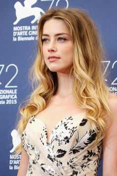 Amber Heard attends a photocall for 'The Danish Girl' during the Venice Film Festival at Palazzo del Casino Most Beautiful Indian Actress, Beautiful Actresses, Amber Heard Makeup, Amber Head, Festival Internacional, The Danish Girl, Fall Hair Colors, Actrices Hollywood, Beauty Full Girl