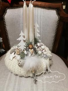 Christmas Arrangements, Christmas Centerpieces, Xmas Decorations, Winter Christmas, Christmas Wreaths, Christmas Crafts, Advent Candles, Diy Wreath, Diy And Crafts
