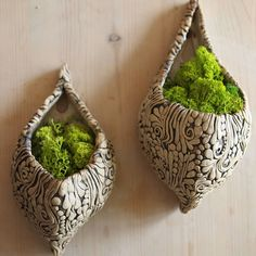 New, ornamented hanging flower pots. New, ornamented hanging flower pots. Pottery Pots, Slab Pottery, Ceramic Pottery, Ceramic Flower Pots, Ceramic Pots, Pottery Supplies, Hanging Flower Pots, Coil Pots, Pottery Designs