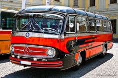 Mercedes Benz Maybach, Mercedes Benz Trucks, Classic Trucks, Classic Cars, Bedford Buses, Bus City, Retro Bus, Rv Bus, Luxury Bus
