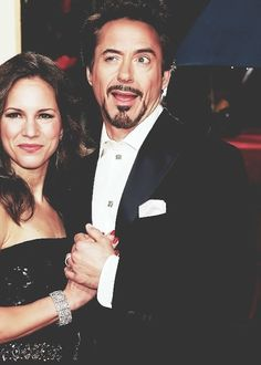 48 of the derpiest faces Robert Downey jr. has ever made - aka Susan Downey is a saint. Susan Downey, Robert Downey Jr., Beau Gif, I Robert, Wtf Face, Iron Man Tony Stark, Downey Junior, Celebs, Celebrities
