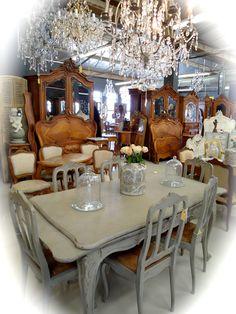 Le Chateau Kramerville Table Settings, Inspiration, Decor, Biblical Inspiration, Decoration, Place Settings, Decorating, Deco, Embellishments