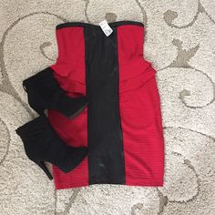 SALE! NWT Sexy Color Blocked Strapless Dress sz 1X Super cute strapless dress. Sweetheart neckline. Textured red fabric. Black faux leather trimmings. Cute double ruffle detail at waist line. Perfect for date night or a night out with your besties!!! Forever 21 Dresses Strapless