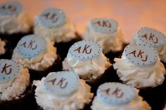 Sip and See Cupcakes Sip And See, Baby Arrival, Vanilla Cupcakes, Shower Ideas, Baby Boy, Monogram, Baby Shower, Entertaining, Chocolate