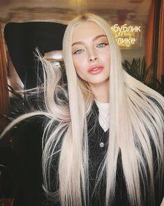 Pretty Hairstyles, Wig Hairstyles, Straight Hairstyles, Honey Blonde Hair, Blonde Hair Girl, Nordic Blonde, Wig Styles, Long Hair Styles, Alena Shishkova