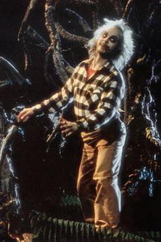Tim Burton Says Beetlejuice Sequel Is 'Closer Than Ever' Michael Keaton, Beetlejuice Movie, Tim Burton Beetlejuice, Alec Baldwin, Scary Films, Horror Movies, Winona Ryder, Kid Movies, Great Movies