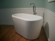 """51"""" Japanese Inspired Deep Soaking Bathtub & Faucet free standing small compact  #Unbranded"""