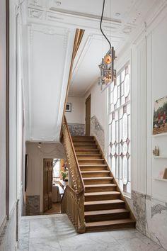 Imponerend grachtenpand waar historie en hedendaags design samenkomen - Roomed | roomed.nl