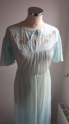 a7ea04d709c4a Vintage ST MICHAEL Ladies nylon nightdress pale green to fit 34 size 10 12