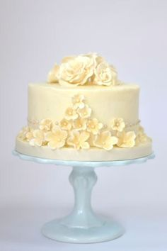 Buttercream ♥wedding cake perfect for a small wedding